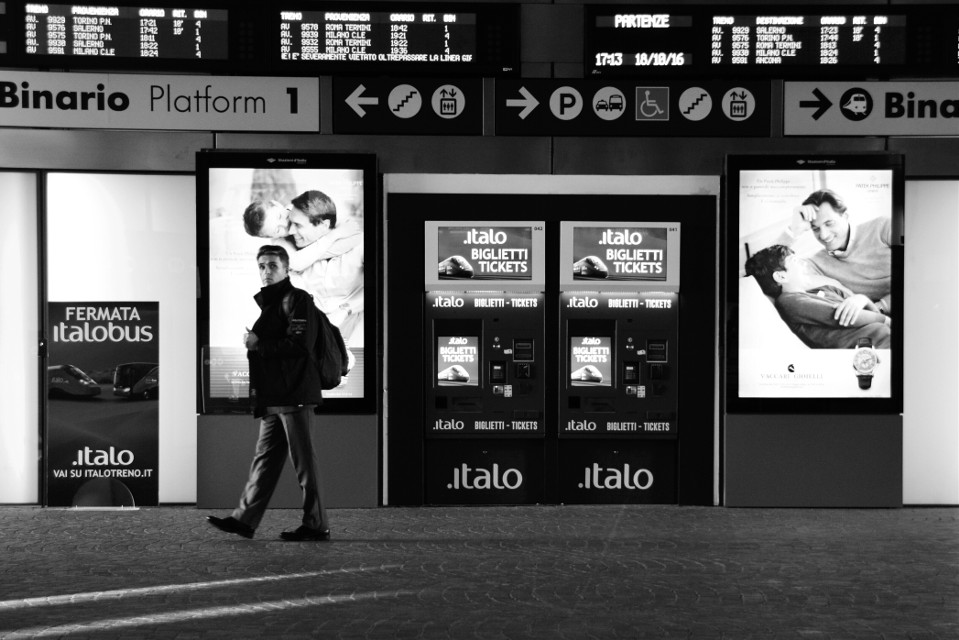 #trainstation #streetphotography #streetphoto #blackandwhite #blackandwhitephotography #people #FreeToEdit